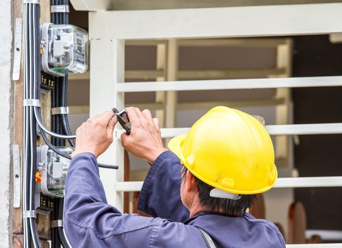 New York Work Accident Lawyers Discuss Workplace Dangers: Electrical Hazards & Electrocutions